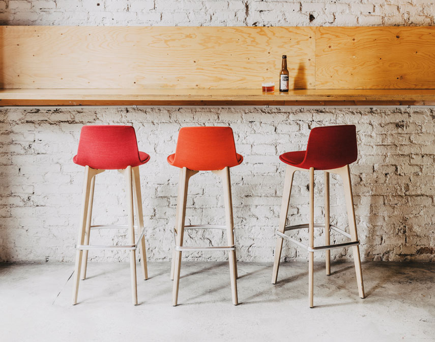 Lottus high stools in different colours