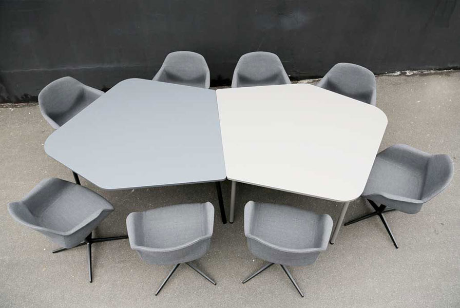 Fourreal Flake tables