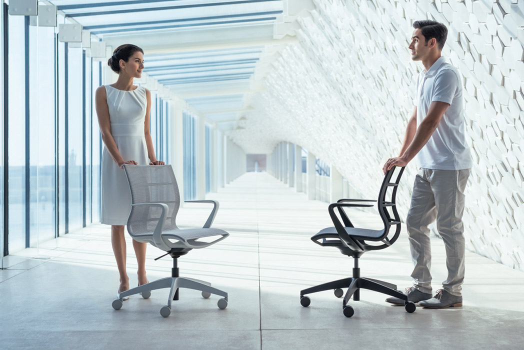 Mobile mesh chairs